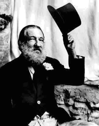 Armando Julio Reverón nació en Caracas el 10 de mayo de 1889, en el seno de una familia acomodada, hijo de Julio Rever...