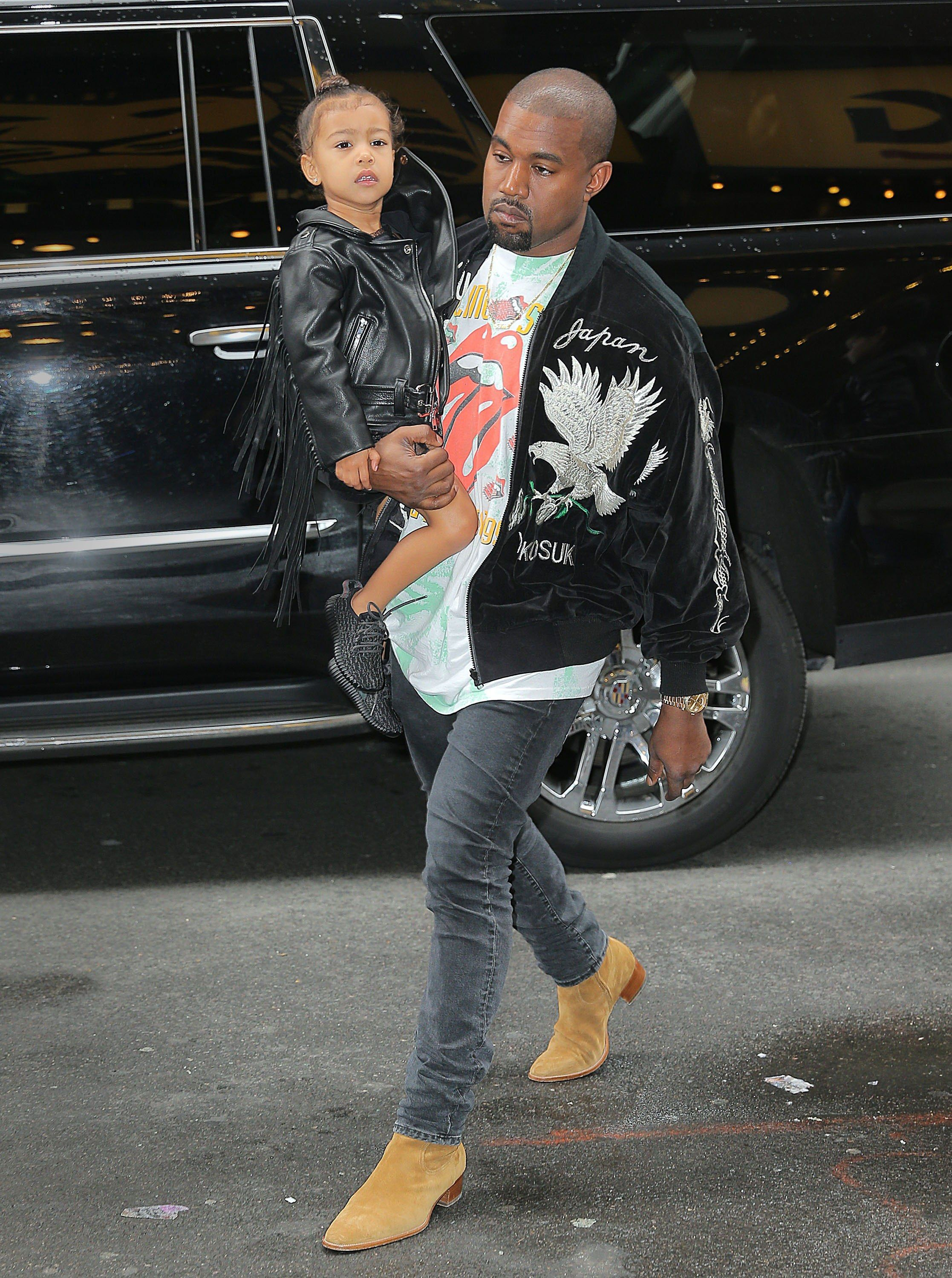 Happy 40th Birthday Kanye 5 Ways To Get His Cool Dad Look Celebrity Moms Celebrity Dads Celebrity Kids
