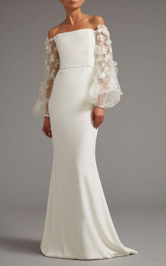 Uzun Abiye Elbise Modelleri Düğünlerin Vazgeçilmez Kıyafetleri Beyaz Uzun Straplez Düşük Kol Kolları Çiçekli Tüllü