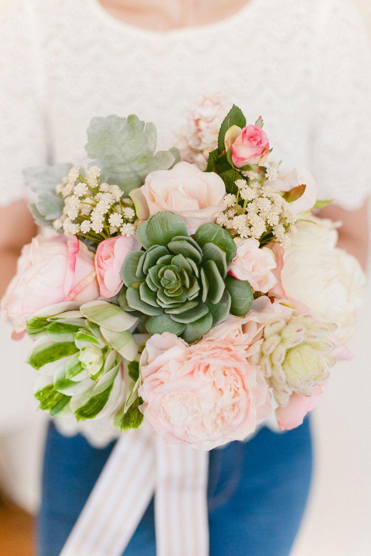 Make a SmallbutMighty DIY Succulent Wedding Bouquet