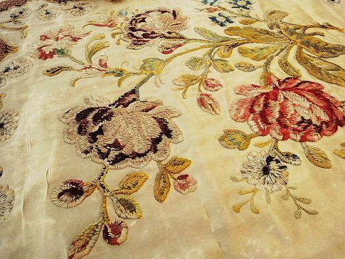 シルク刺繍パネル - イギリスとフランスのアンティーク   バラと天使のアンティーク   Eglantyne(エグランティーヌ)