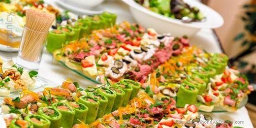Przystawki na imprezę muszą być szybkie, smaczne i efektowne