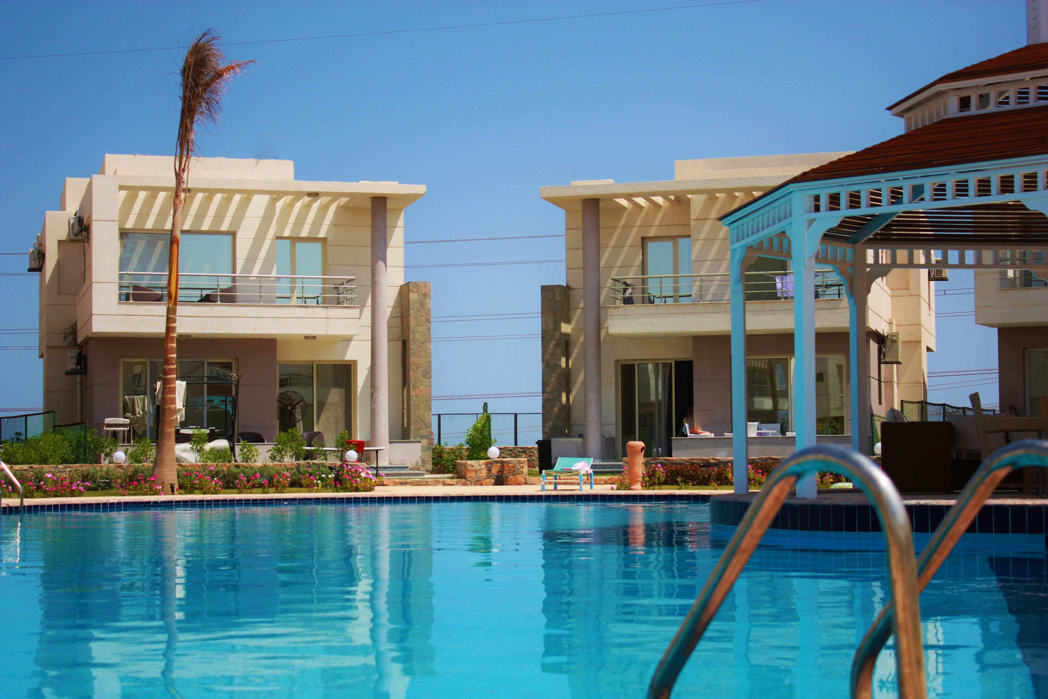 For Sale Villa With Swimming Pool Twin Villa Only 81 190 Euro 2 Floors 3 Bed Rooms 3 Bathrooms 195 M2 L Hurghada Big Pools Private Garden