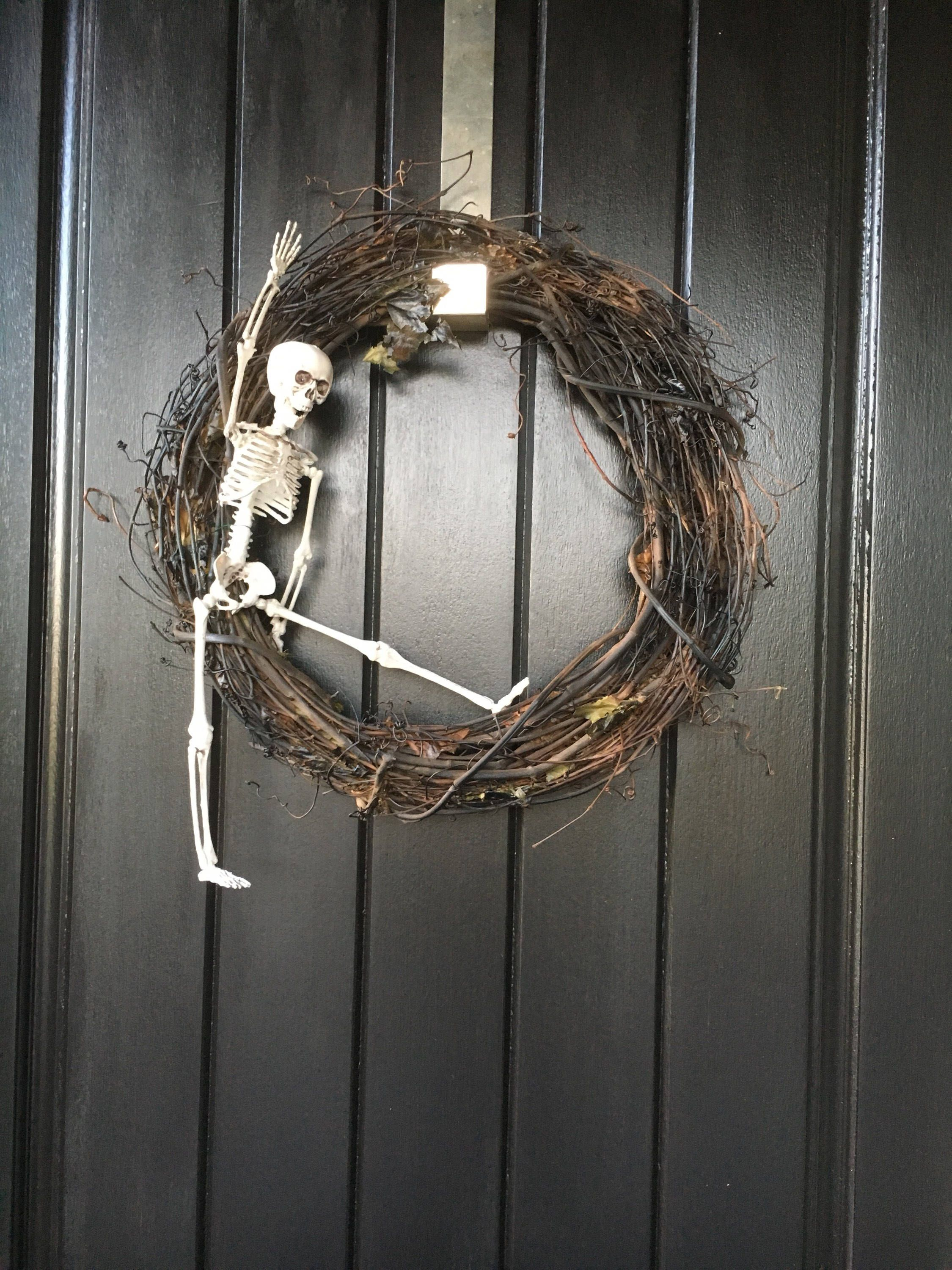 Halloween Wreath, Skeleton Wreath, Halloween Decoration, Fall Wreath - Front Door Halloween Decorations