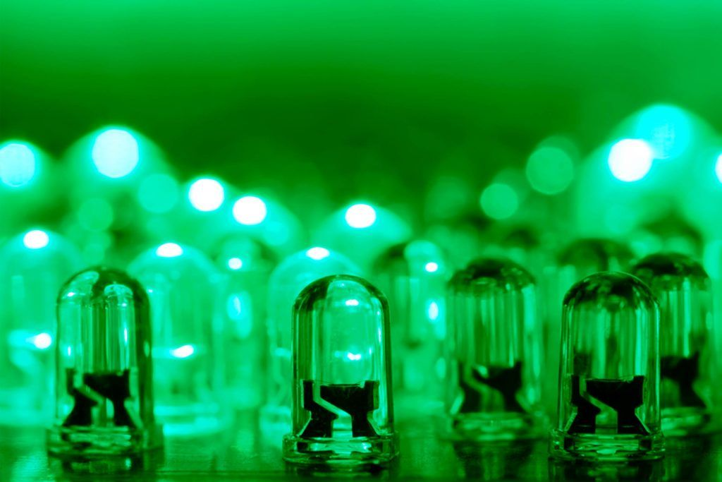 Light Is Known For Making Migraines Worse, But Science Has Discovered That Green  Light May