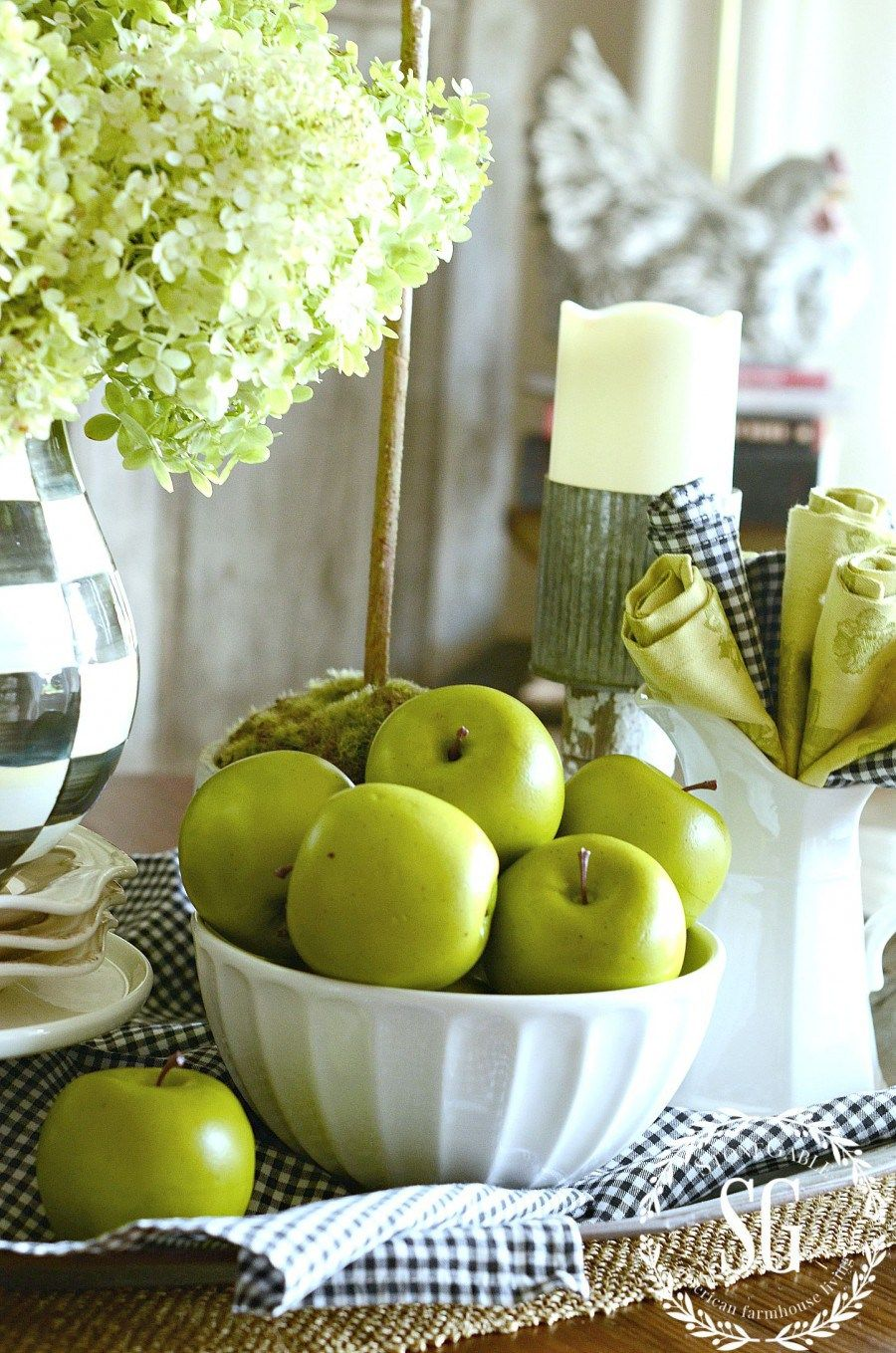Farmhouse Apple Home Decor Ideas to add Fall Charm - The Cottage