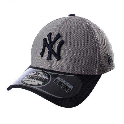 La gorra 3930 MLB New York Yankees de New Era está diseñada para que apoyes  a 011b6a3d36e