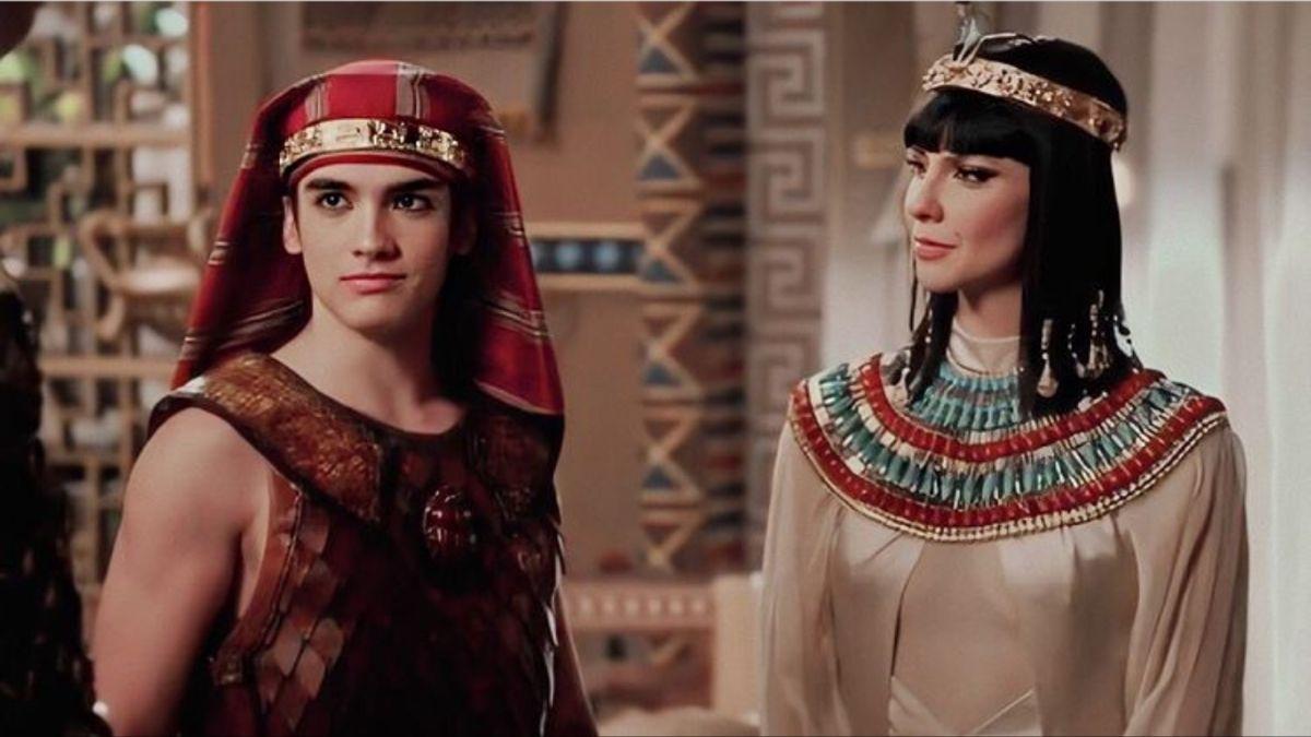 Pin De Maria Paz En Sports Moda Egipcia Ropa Egipcia Moises Y Los Diez Mandamientos