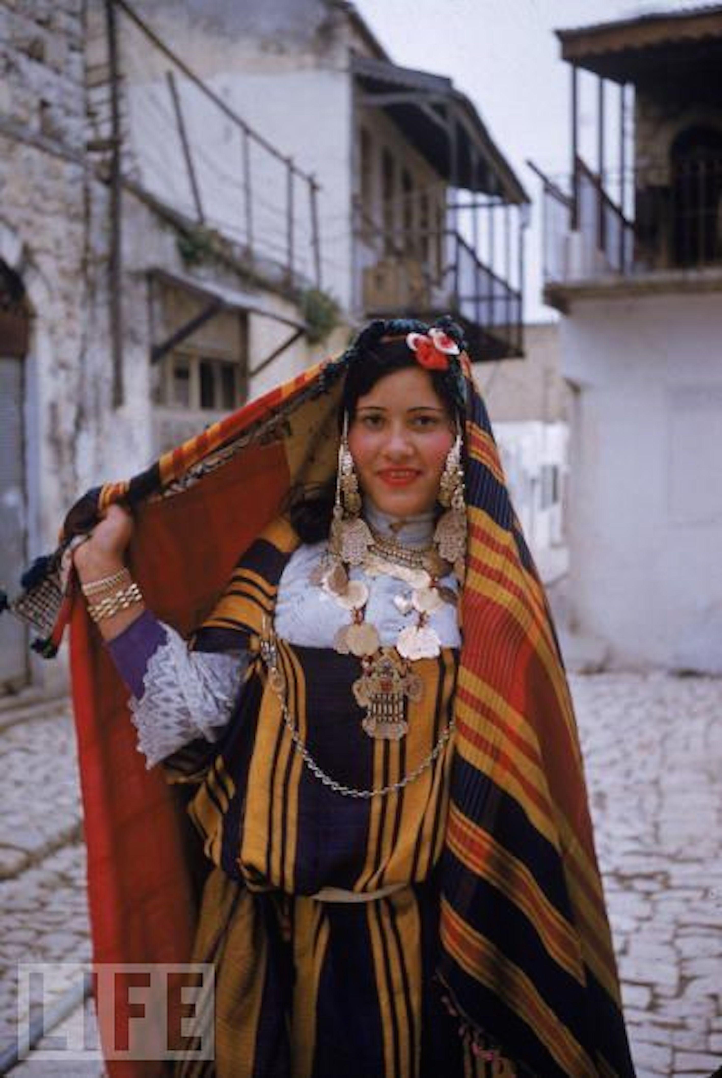 одна тунис коренные жители фото они
