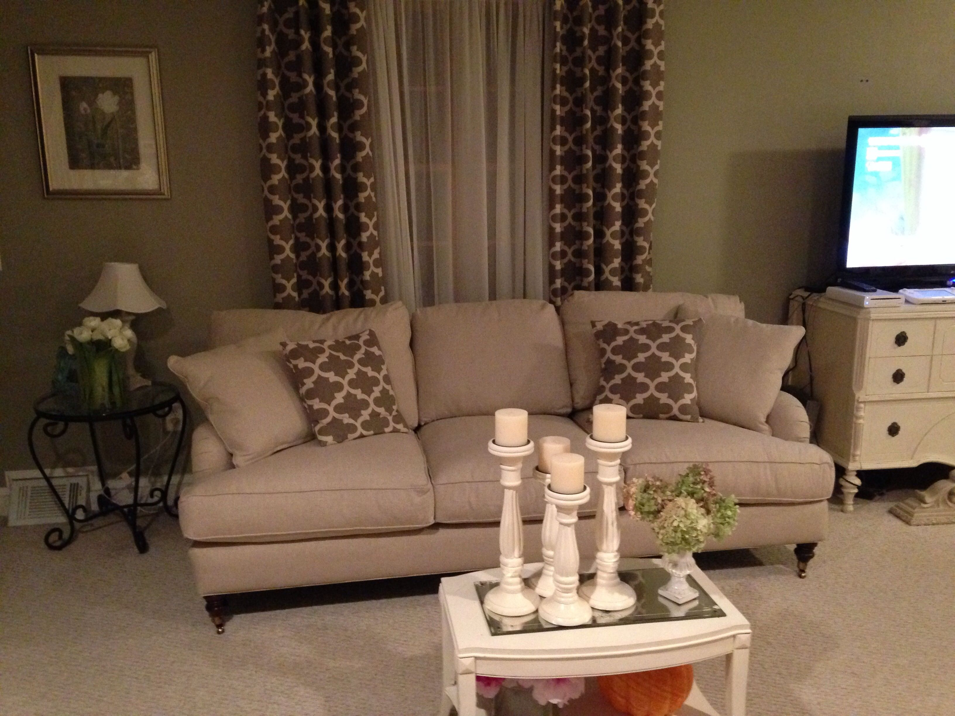Love How The Curtains And Throw Pillows On Couch Match Totally Ties Room Together