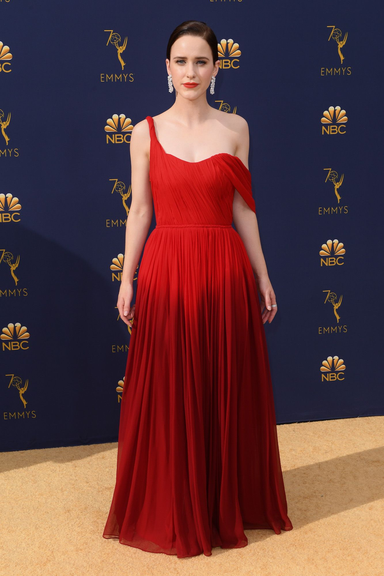 f2d4736915f Rachel Brosnahan In Oscar De La Renta   2018 Emmy Awards
