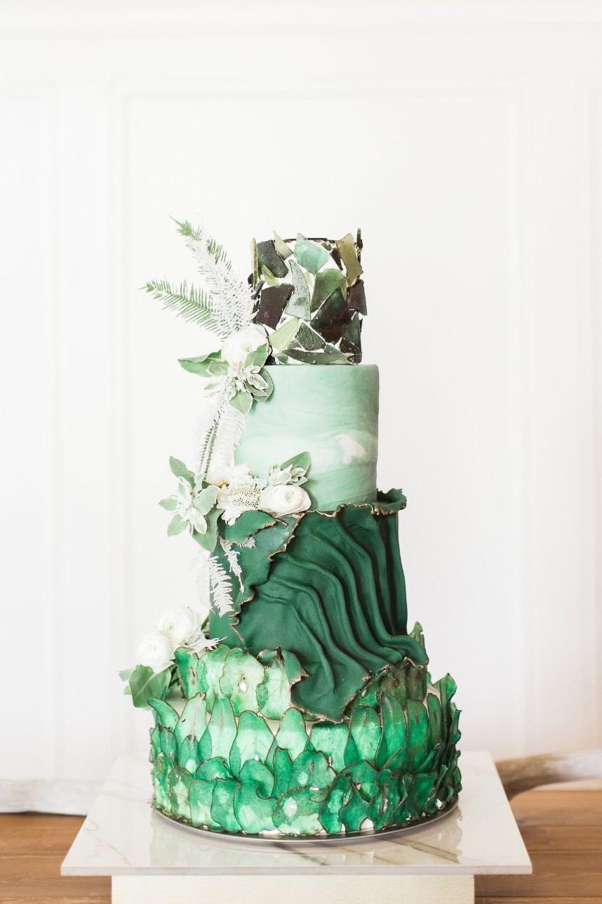 Modern Botanical Wedding Inspiration At The Patriot Golf Club Green Wedding Cake Crazy Wedding Cakes Green Cake