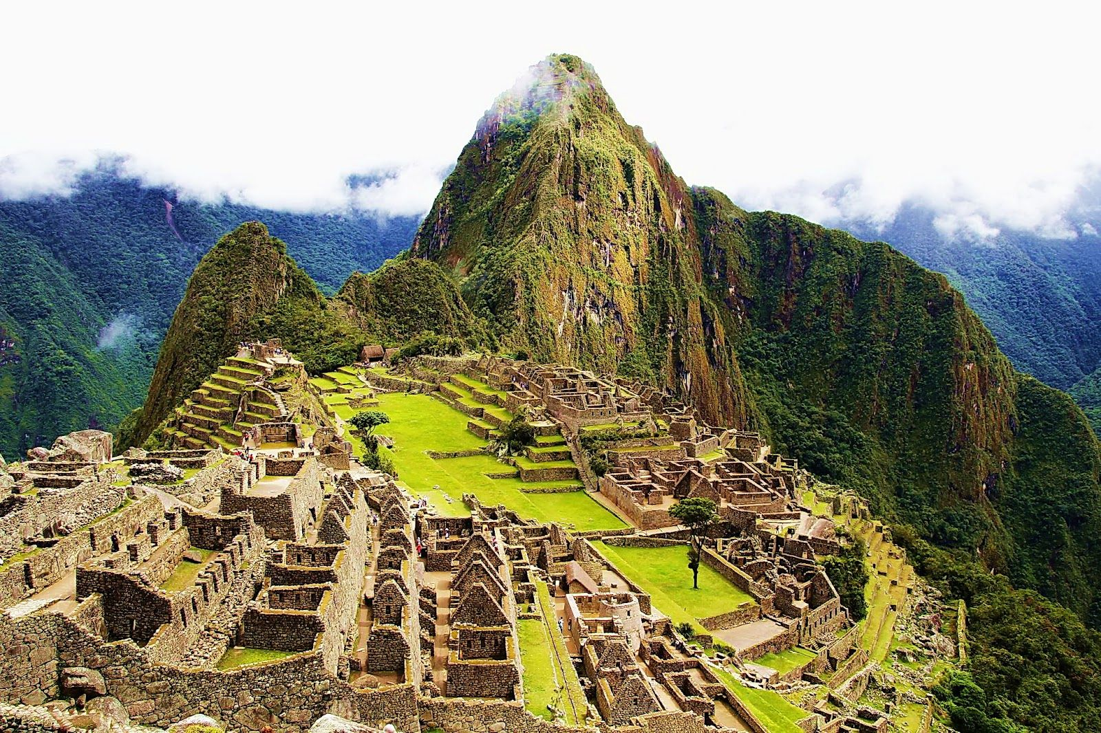 Machu Picchu Peru When You Travel Remember That A Foreign Country Is Not Designed To Make You Comfortable It Is Designed To Make Picchu Machu Inca Trails