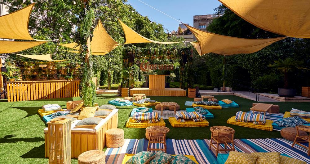 Las Terrazas Mas Chulas De Madrid Para Tomar Una Copa Gastroactitud Pasion Por La Comida Cafe Exterior Patio Cervecero Restaurante Exterior