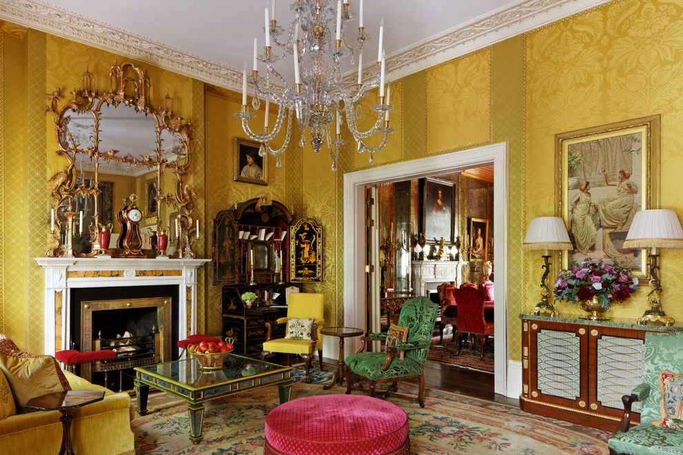 Traditional Living Room (1)