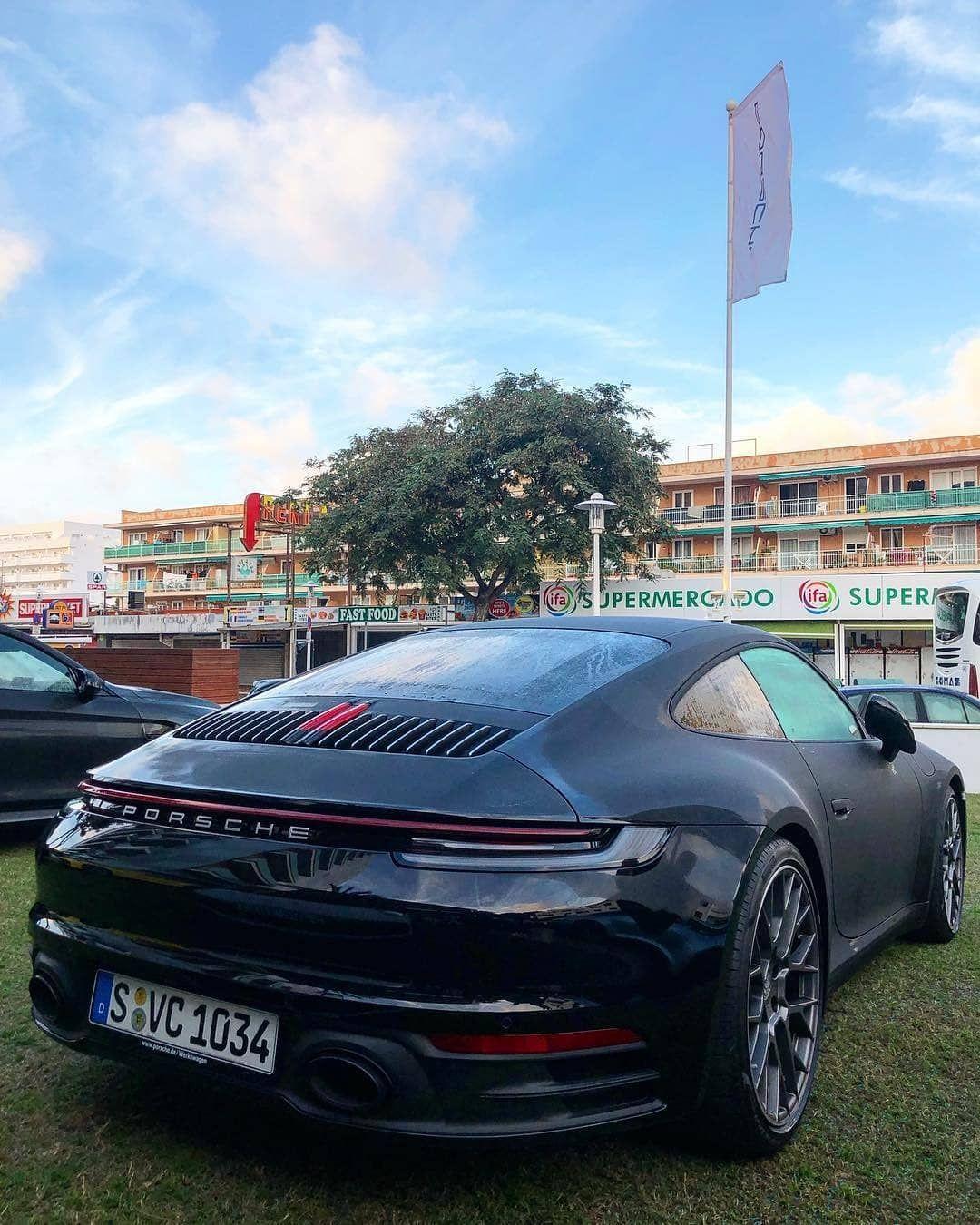 Instagram Porsche 992 Fanpage Porsche Voiture Iconique Porsche Porsche911 Porsche992 Montre Voiture Super Voiture Voitures De Sport Haut De Gamme