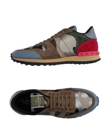 deacacb89c9 VALENTINO GARAVANI Sneakers & Deportivas mujer. lona, piel de imitación, en  ante , efecto laminado, logotipo, estampado militar, cierre con cordones,  ...