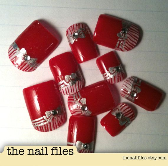 Hand Painted Christmas Nail Art: Candy Cane - Hand Painted Nail Art