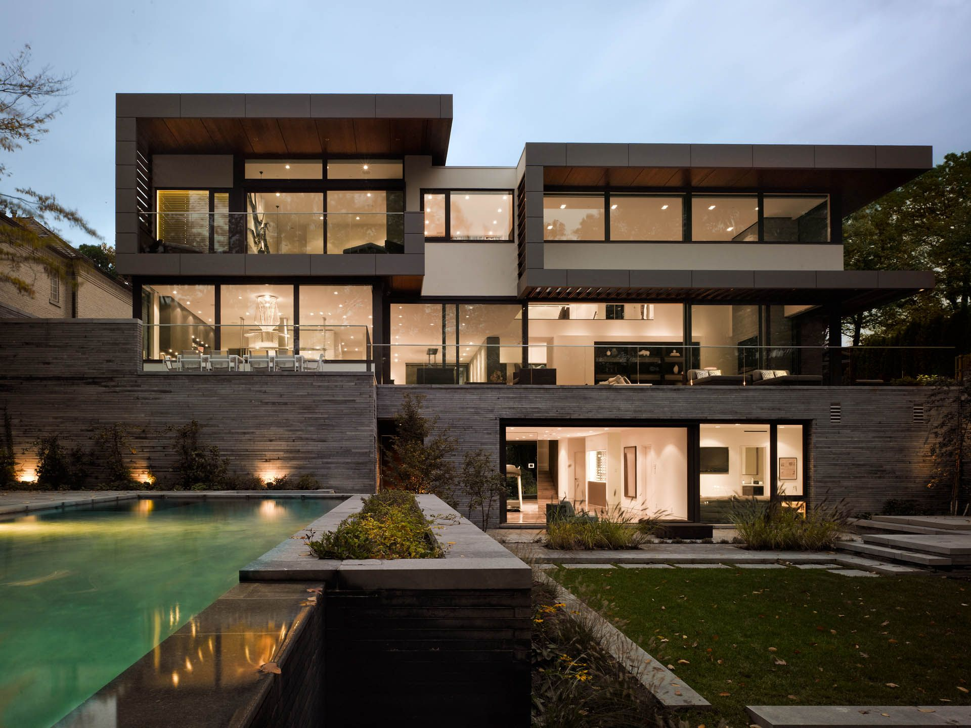 Stunning Toronto Home With An Arty Staircase And A Comfy Office Luxury Homes Exterior Architecture Modern Mansion