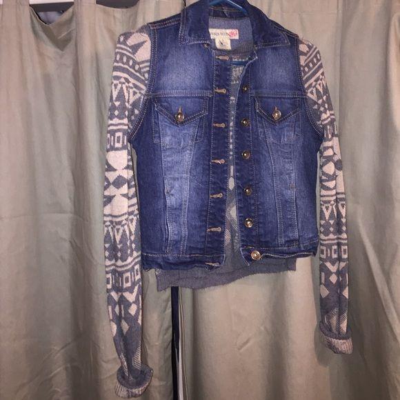 Paris Blues denim vest Cute denim vest! Size small. euc Paris Blues Jackets & Coats Vests
