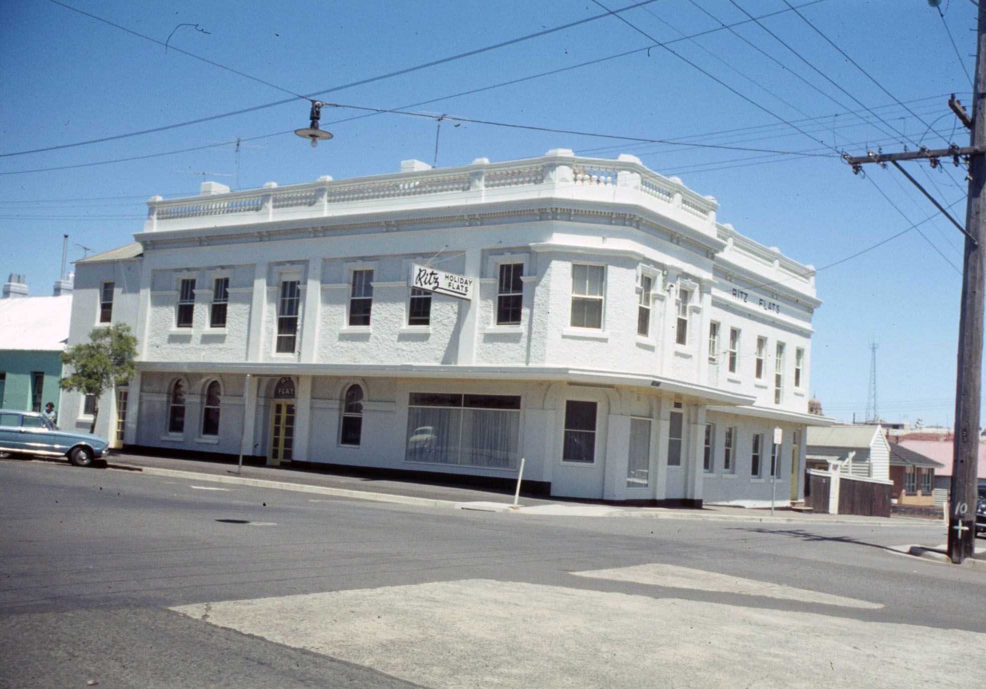 Belle Vue Hotel Aka Bay View Hotel Cnr Corio And Bellerine Streets Old Buildings House Styles Mansions