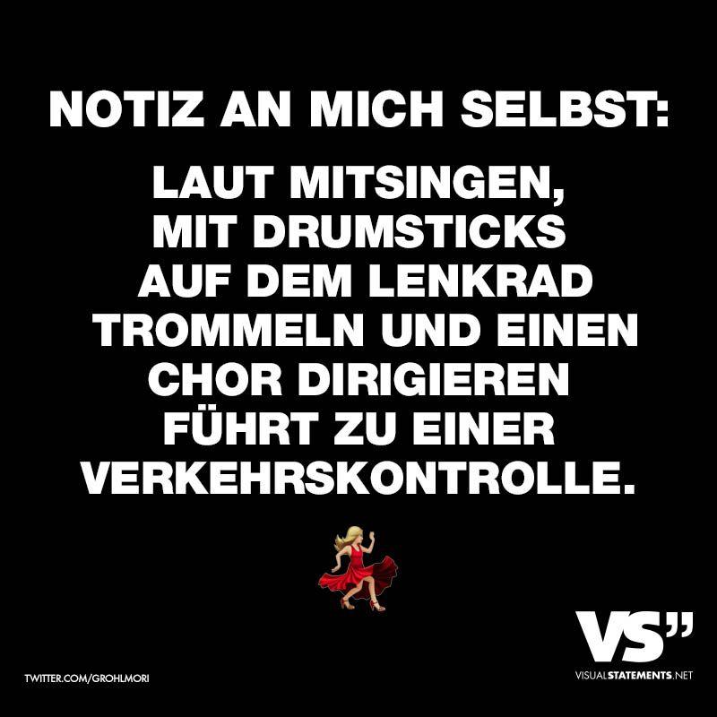 Notiz An Mich Selbst Laut Mitsingen Mit Drumsticks Auf Dem Lenkrad