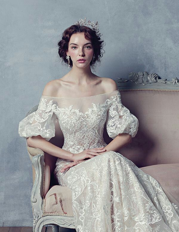 Fausto Sarli 2010 | Gorgeous gowns, Beautiful dresses, Dresses