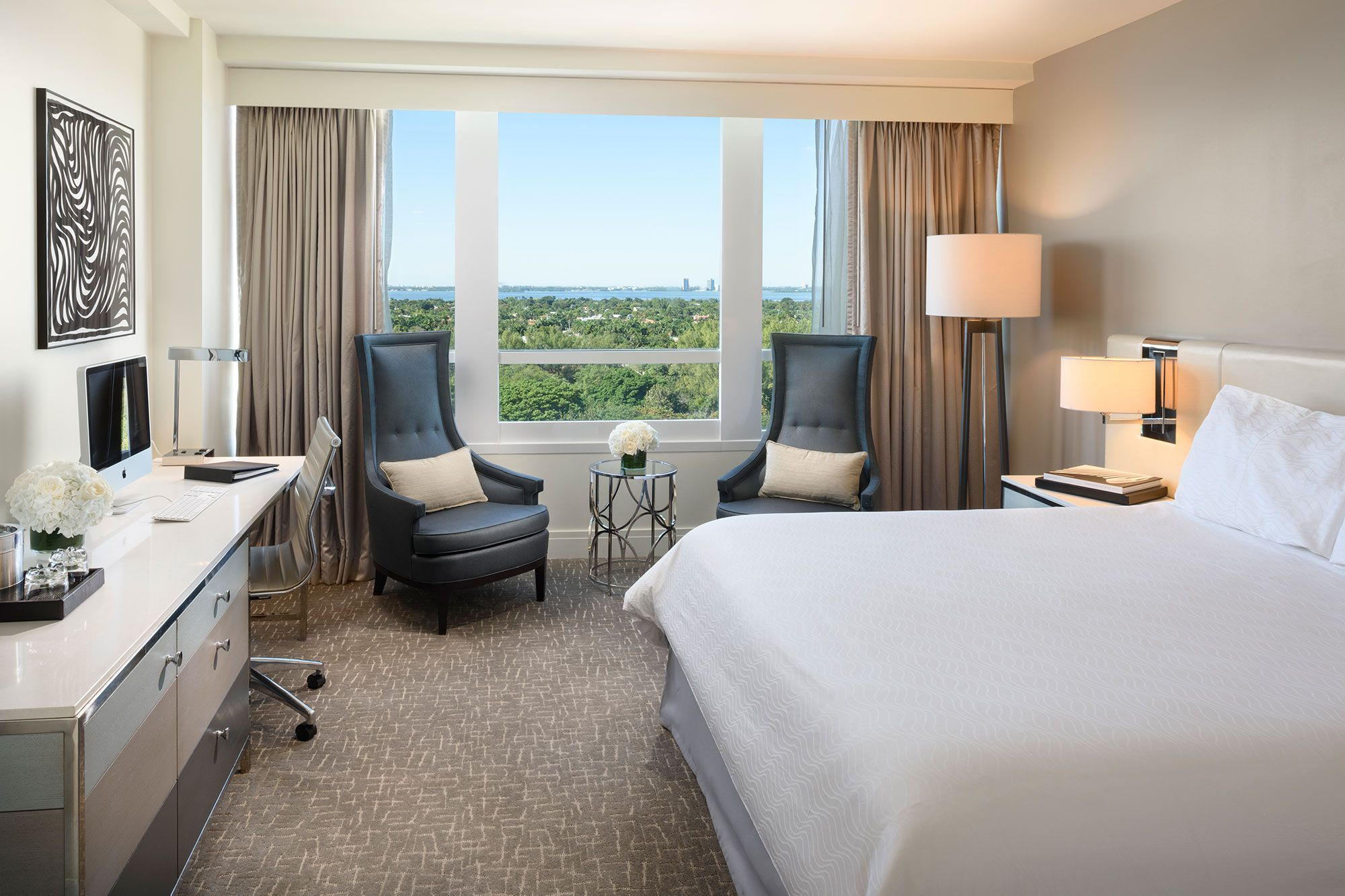 Deluxe Bay View Guestroom Fontainebleau Beach Hotel Room Miami Beach Hotels Hotels Room