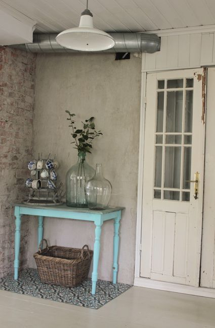 Vintage House  - blue table