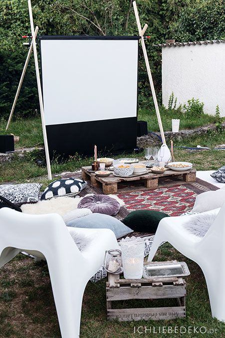 Photo of Friluft hjemmekino i hagen • Jeg elsker dekorasjon
