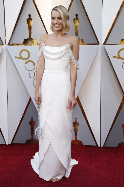 Margot robbie oscar white strapless evening dress margot