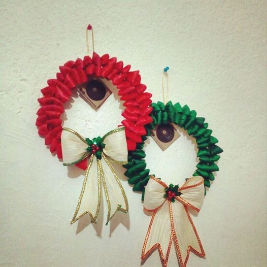 Corona Navideña Hecha A Mano Con Hoja De Palma Y Maíz Handmade Christmas Wreath Made Of Recycled Palm And Maiz Christmas Ornaments Christmas Novelty Christmas