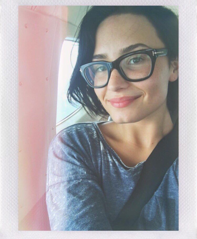 Happy #NMM No Makeup Monday on 25th January! | Lovatic Staying ...