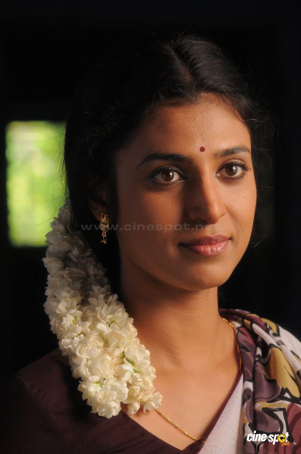 Kasthuri  Beauty, Regina Cassandra, South Indian Film-5657