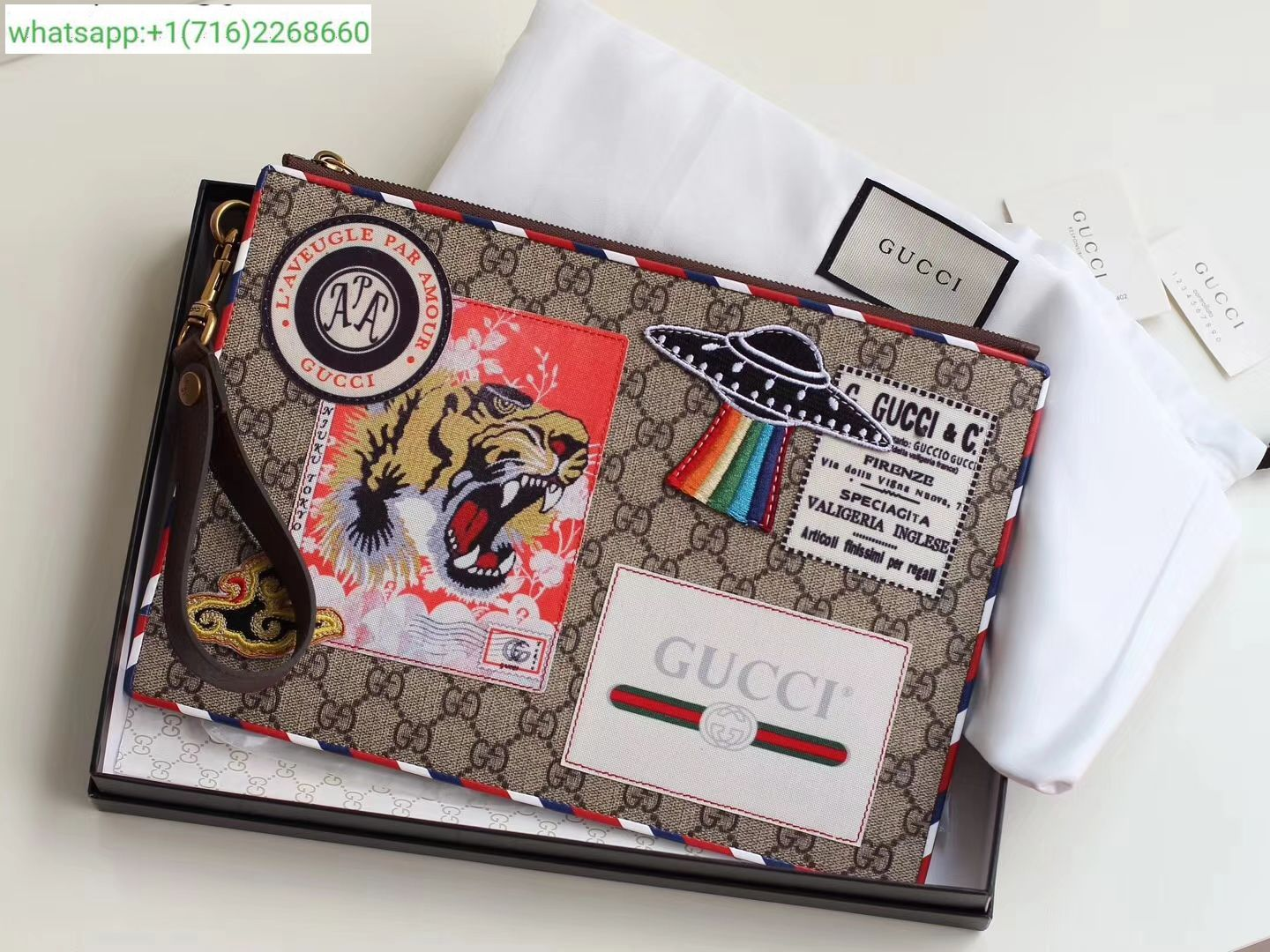 cab1d96d7162 Gucci Courrier GG Supreme pouch 473915 | gucci | Gucci, Fashion, Wallet