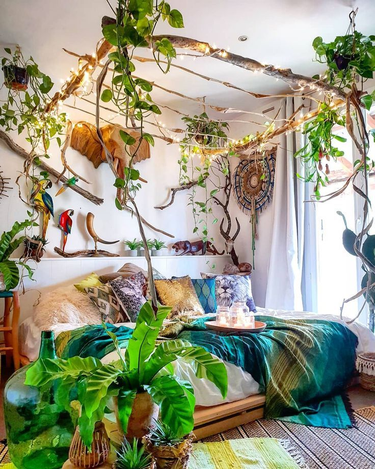 The Bohemian bedroom decor has become one of the most sought after aesthetics by Pinter ... # aesthetics # most sought after # bohemian # one