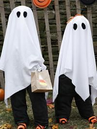 costume d 39 halloween le fant me halloween pinterest deguisement fantome faire soi meme et. Black Bedroom Furniture Sets. Home Design Ideas