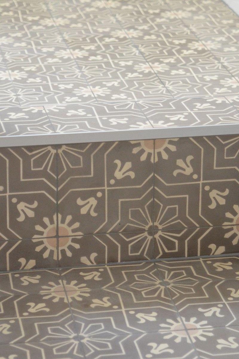 Cement tile model AZUL von Replicata ornament SUN