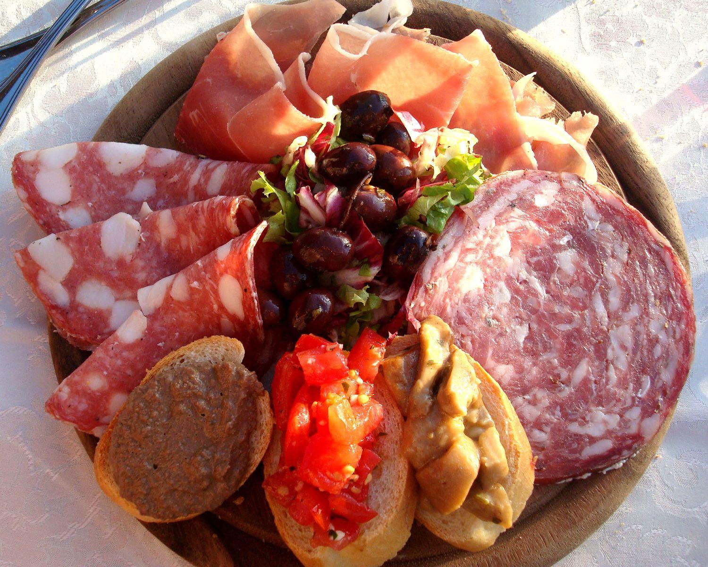 Antipasti Di Natale Toscani.Antipasto Toscano Authentic Italian Cuisine Cibo Toscano Idee Alimentari Pasti Italiani