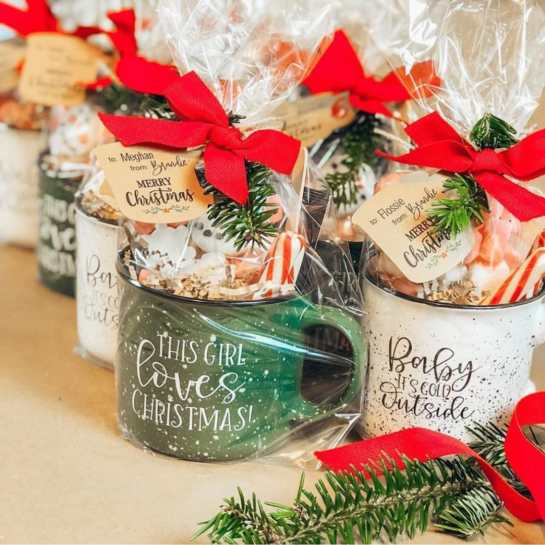 How Stinkin Cute Are These Little Mug Gift Baskets That Amdesignsmd Shared With Coffee Gifts Christmas Christmas Gift Sets Diy Christmas Gifts For Friends