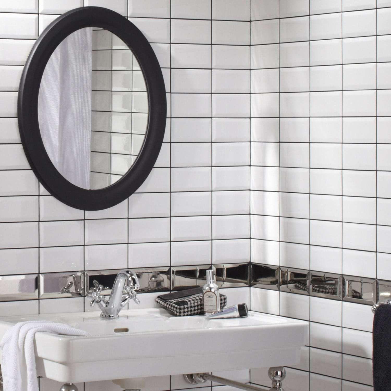 Carrelage metro blanc  Relooker salle de bain, Carrelage salle de