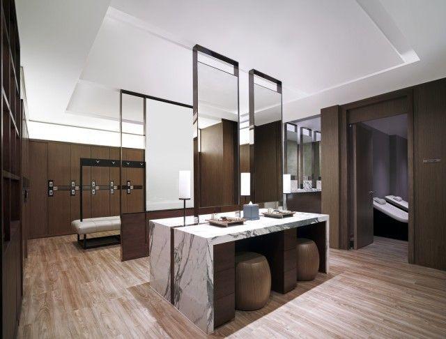 Health club locker room design shangri la hotel bangkok for Hotel club decor