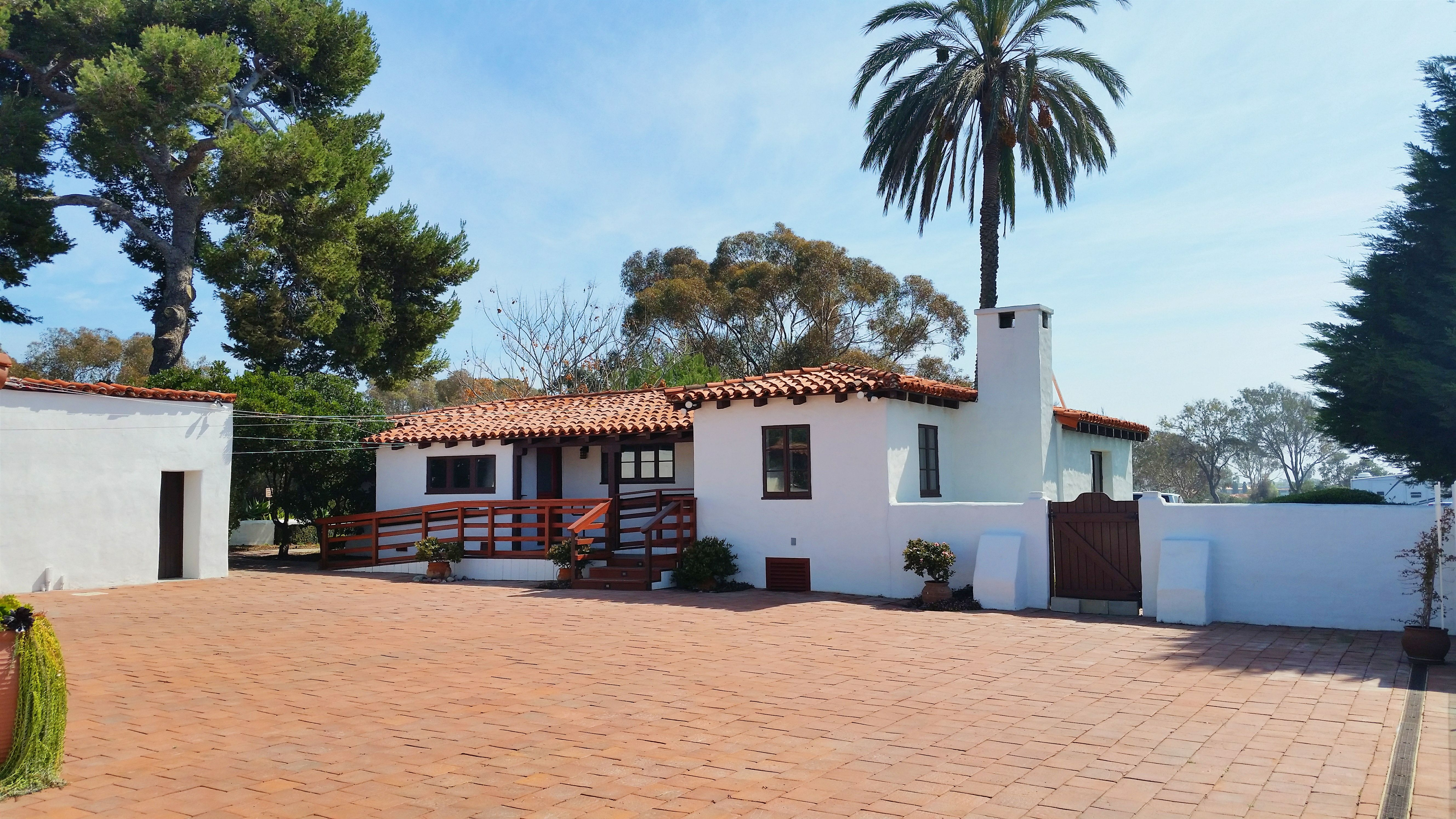 Historic Cottage At San Clemente State Beach Receptions Of Up To 150 People Fees Range From 3 000 4 Insurance Lighting Security And Parking
