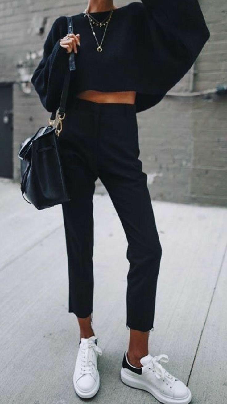 Photo of Alla svarta kläder, kläder för höstväder, tröja väder, bekväma vinterkläder …