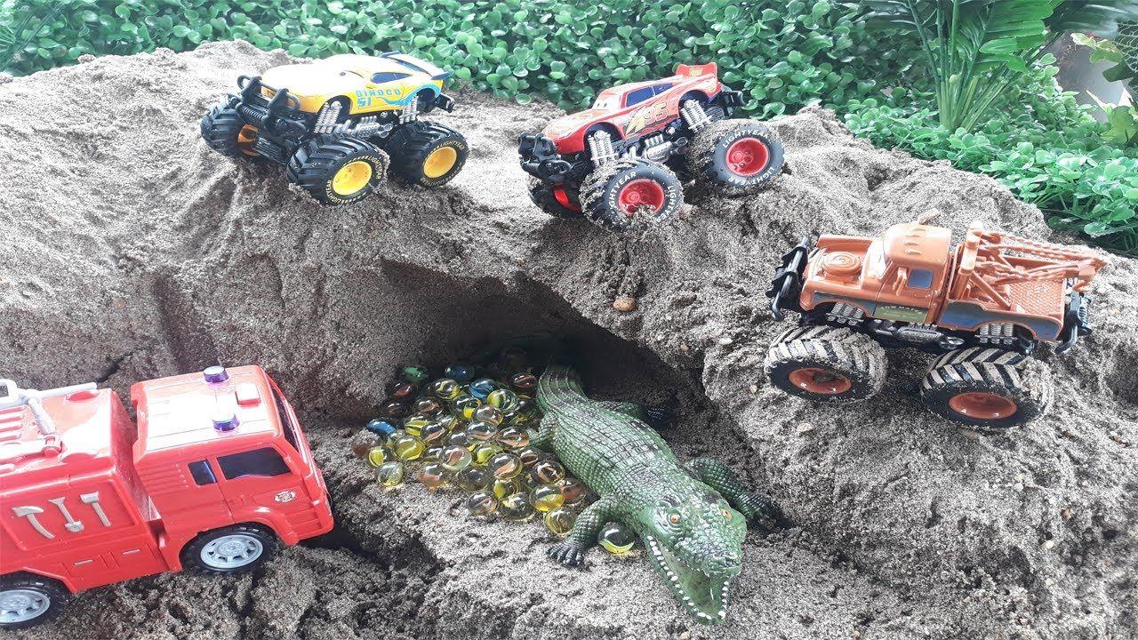 Lightning Mcqueen Disney Car Story By Excavator Toys 20 Car For Toy In 2020 Excavator Toy Disney Cars Lightning Mcqueen