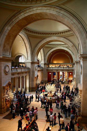 Monumental entrance hall, Metropolitan Museum of Art