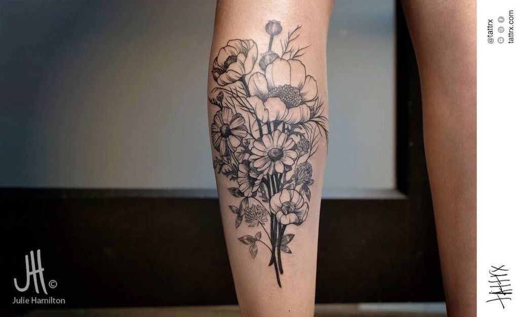 Excellent Line Work On This Beautiful Black Flower Bouquet