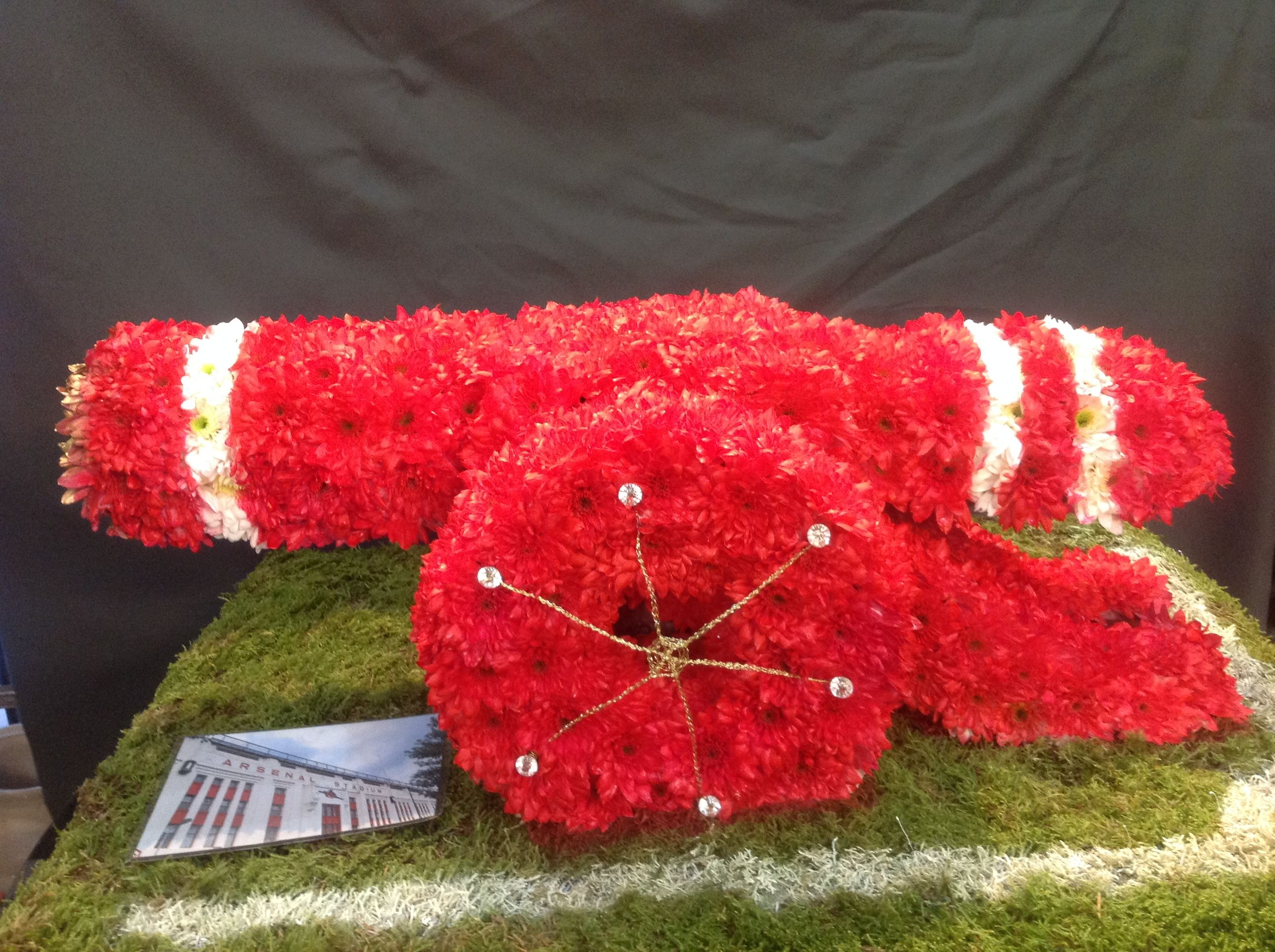 3d arsenal cannon funeral tribute to a big arsenal football club fan 3d arsenal cannon funeral tribute to a big arsenal football club fan izmirmasajfo Images