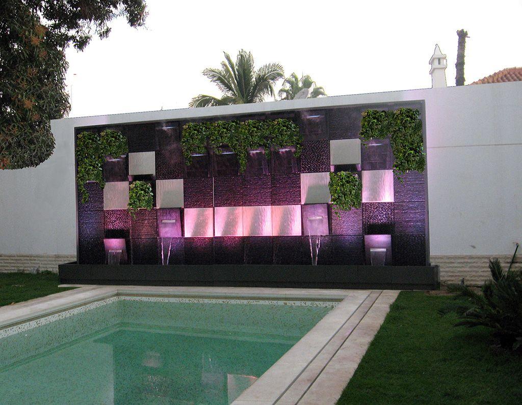 Cascade mur v g tal ext rieur pinterest mur vegetal for Mur exterieur jardin