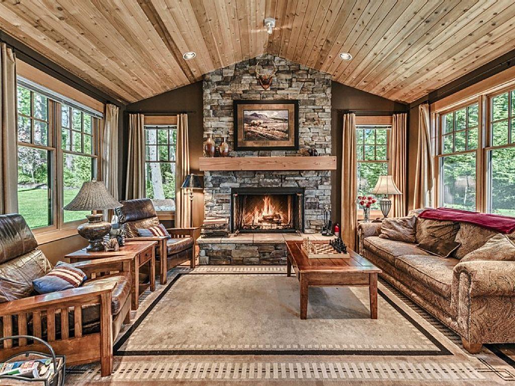 Luxury Waterfront Lodge: Gourmet Kitchen, 3 Firepl
